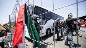Cinco traficantes detidos por naufrágio
