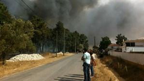 Fotos dos leitores do incêndio em Vendas de Azeitão