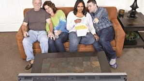84% das famílias pagam para ver TV