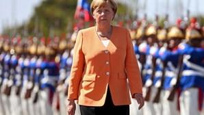 "Merkel condena ataques ""repugnantes"" contra refugiados"