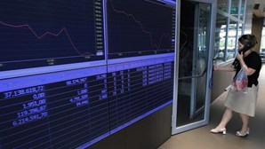 Bolsa de Atenas encerra a perder 10,54%