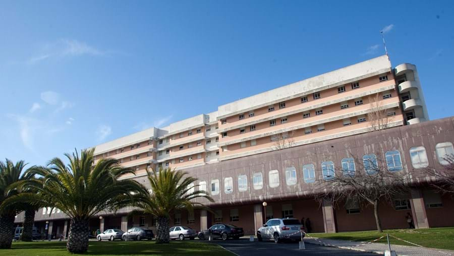 Hospital Garcia de Orta tem três  anestesistas de serviço nas Urgências durante o dia e dois de noite