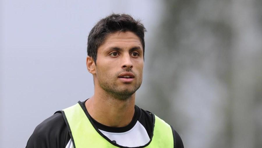 Jogador tem apenas uma passagem por Portugal, no Nacional, na segunda metade da época 2002/03