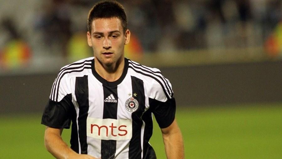 Zivkovic, de 19 anos, é uma das figuras do Partizan e é internacional pela seleção sérvia