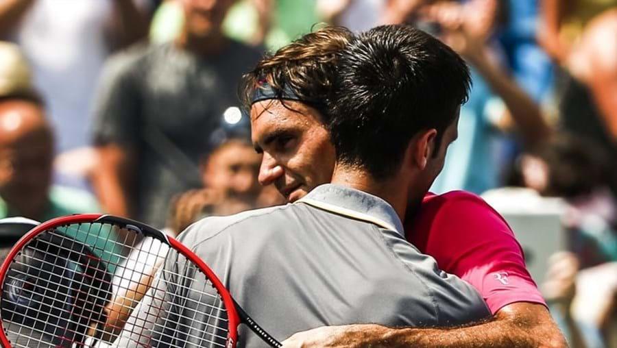 Os tenistas cumprimentaram-se no final da partida