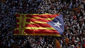Catalães que querem independência superam os críticos