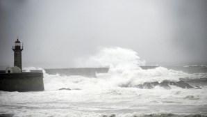 Escolas encerradas nos Açores devido ao mau tempo