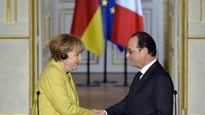 Merkel e Hollande discursam juntos a 7 de outubro