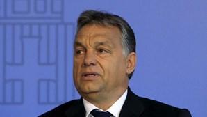 "Viktor Orban: Europa foi ""inundada"" por imigrantes"