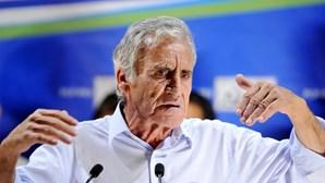 """Jerónimo de Sousa critica precariedade dos jovens estafetas """"de mochila amarela às costas"""" e pede fim das propinas"""