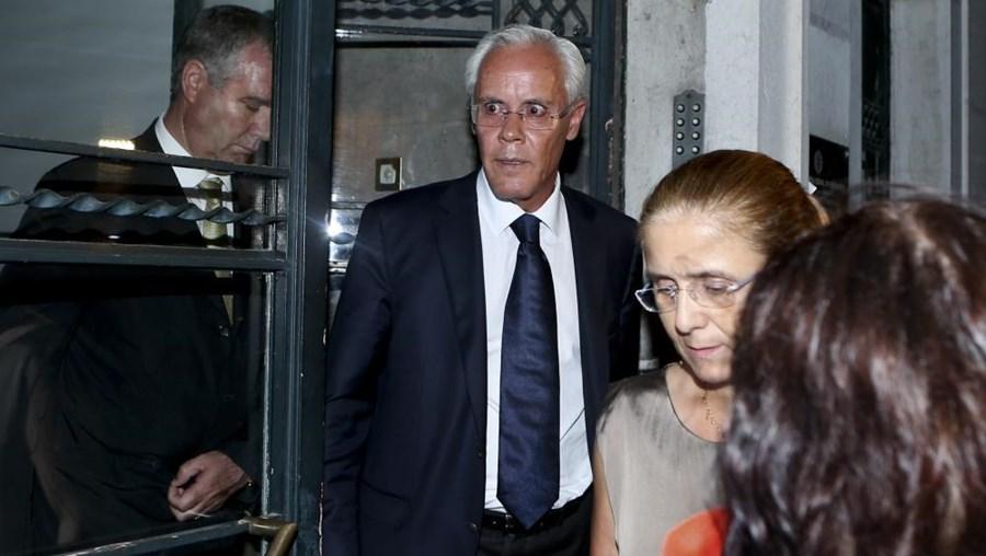 Ex-ministro Miguel Macedo esta segunda-feira à saída  do interrogatório judicial no DCIAP, em Lisboa