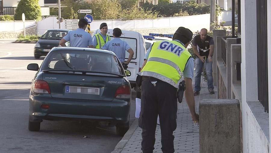 Militares da GNR estiveram no local do atropelamento, em Guisande, Santa Maria da Feira, e fizeram várias perícias