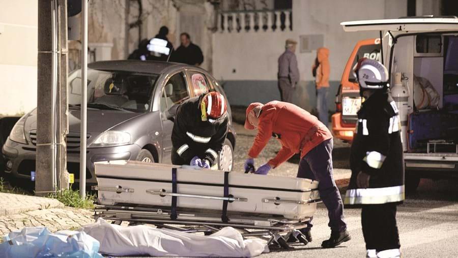 Corpo de José Feliciano Lopes, atropelado em Usseira, foi removido pelos bombeiros