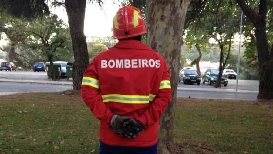 Bombeiros estiveram no local