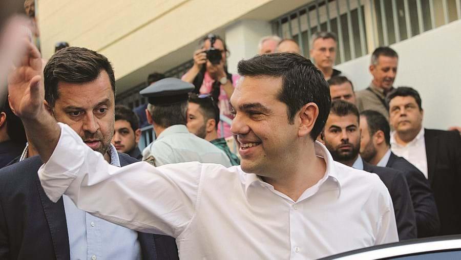 """A celebrar vitória, no centro de Atenas, Alexis Tsipras prometeu """"romper com políticas do passado"""""""
