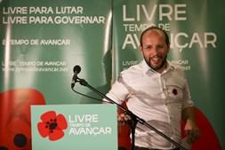 O líder do movimento Livre/Tempo de Mudar, Rui Tavares, durante a divulgação dos primeiros resultados das eleições legislativas