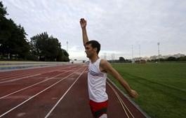 Nuno Alves tem uma determinação que o leva a treinar diariamente, mesmo tendo um emprego além do Atletismo