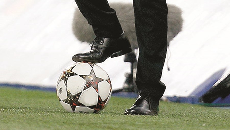O site Football Leaks tem publicado documentos confidenciais dos três grandes