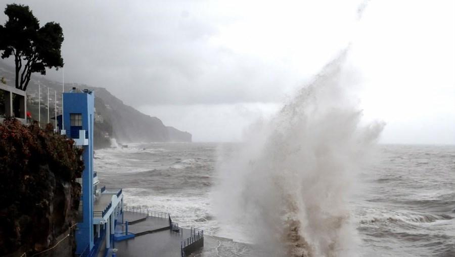 Previsão indica aguaceiros por vezes fortes e persistentes em todo o arquipélago
