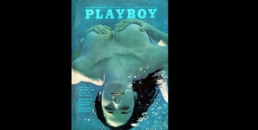 Julho de 1970: normalmente a capa da Playboy seria a 'Playmate' do mês em questão mas, nesta edição, foi a cantora Joan Baez a posar nua para a revista. A artista deu também uma entrevista