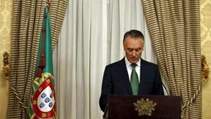 """Cavaco diz que Europa """"não pode continuar de braços caídos"""""""