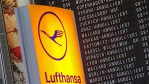 Lufthansa cancela mais de 7 mil voos em março devido a quebras na procura devido ao coronavírus