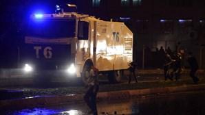 Quatro polícias feridos em ataque suicida na Turquia