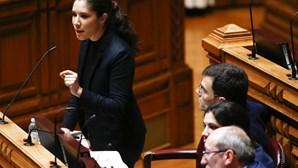 """Bloco de Esquerda critica Governo pela """"ausência"""" de plano de organização do próximo ano letivo"""