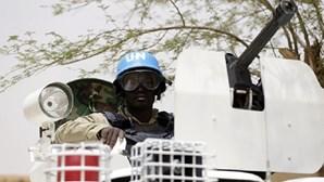 Jihadistas reivindicam ataque contra acampamento no Mali