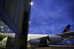 O pessoal de cabine da Lufthansa iniciou no passado dia 6 uma greve de sete dias