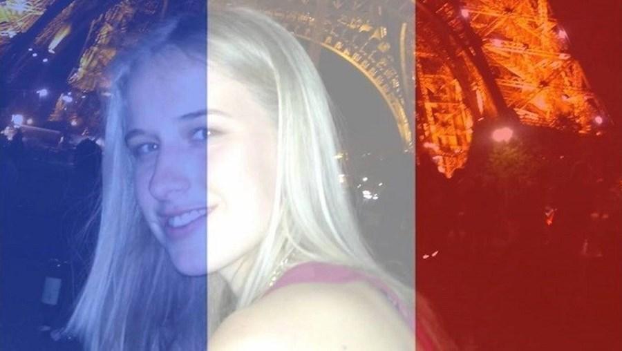 Isobel Bowdery (foto pequena), de 22 anos, sobreviveu à tragédia
