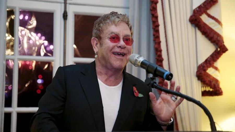 Elton John será o cabeça-de-cartaz da primeira noite do festival