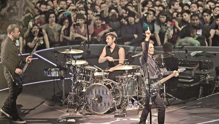 A nova tournée dos Muse, intitulada 'Drones', chega a Portugal no início de maio