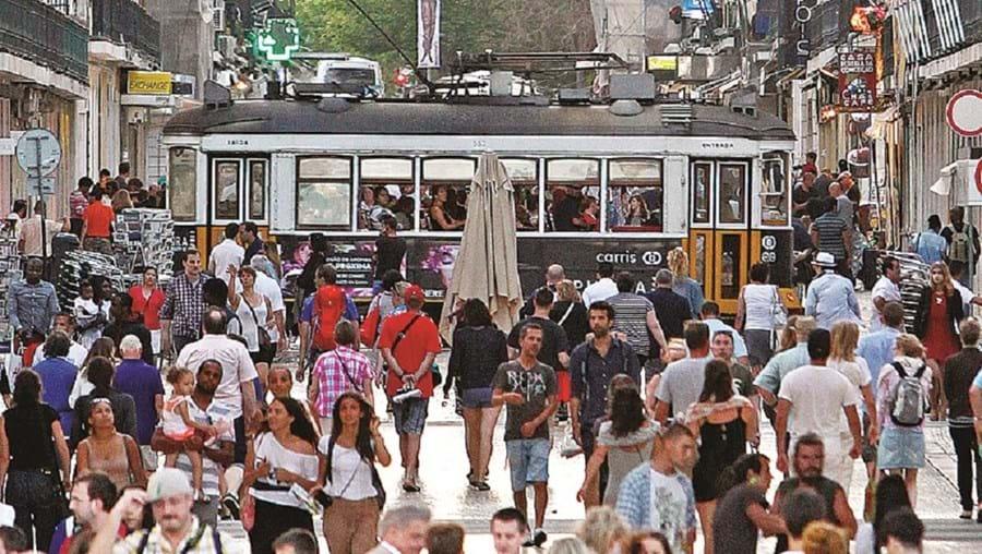 Portugueses vivem hoje mais cinco anos face a 1994