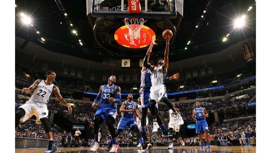 Os Philadelphia 76ers somaram a 28.ª derrota consecutiva