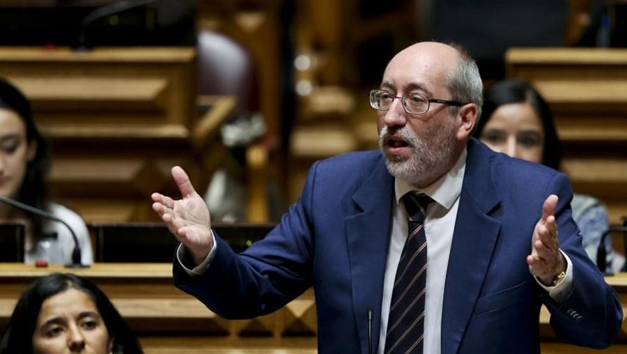 Posição foi transmitida aos jornalistas pelo deputado comunista António Filipe