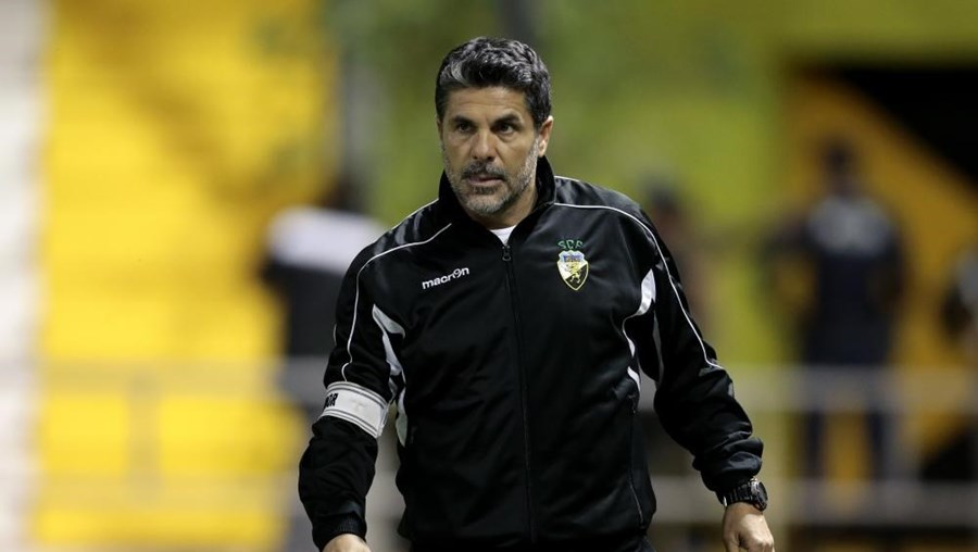 O técnico Jorge Paixão