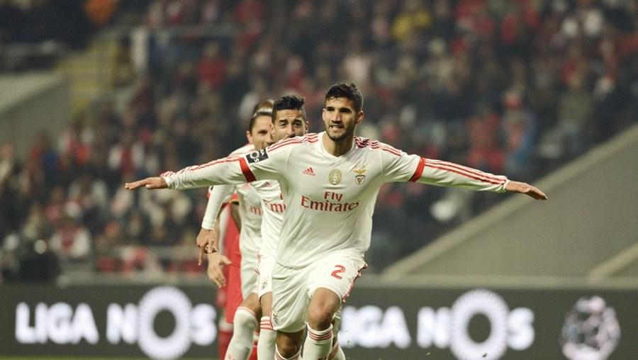 Lisandro López (à frente) festeja o golo marcado frente ao Sp. Braga