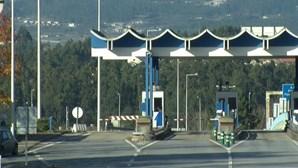 Governo quer que parlamento ajude a encontrar compensação para redução das portagens