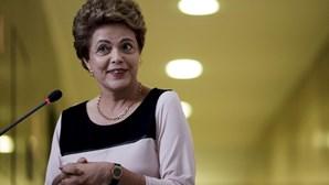 Tribunal suspende comissão sobre destituição de Dilma