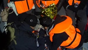 Polícia maritima portuguesa resgata 32 emigrantes