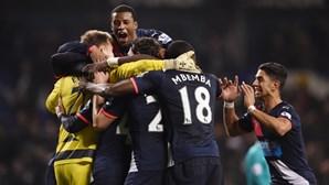 Tottenham perde e falha quarto lugar