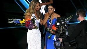 Engano na coroação marca Miss Universo