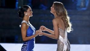 Miss Universo marcada por erro na coroação