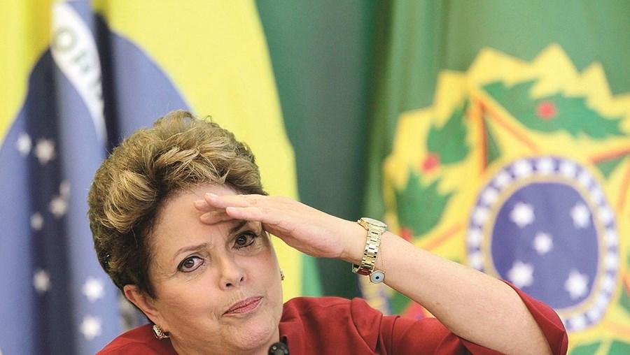 Dilma diz que processo de destituição é golpe político para anular as conquistas sociais dela e Lula