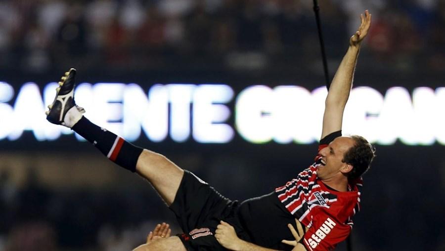 O 'Mito', como é conhecido entre os simpatizantes do São Paulo, abandona o futebol aos 42 anos