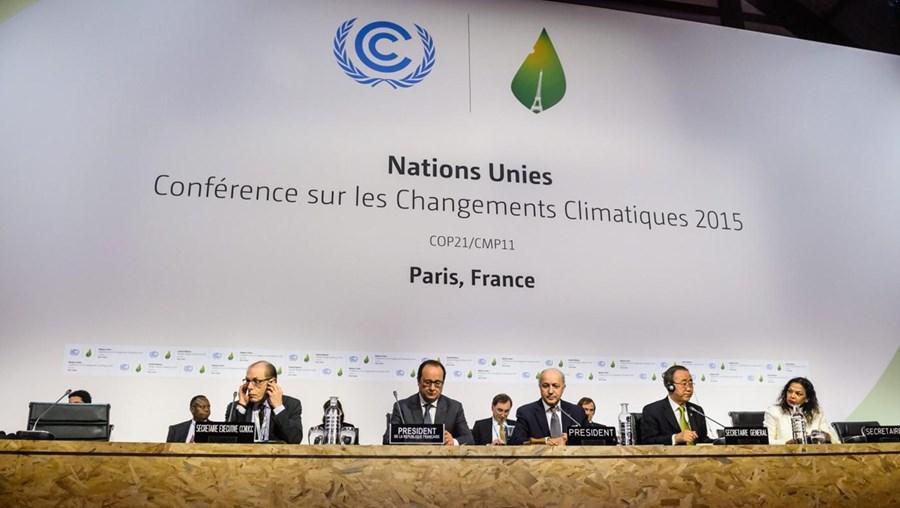 O projeto de acordo final visa conter o aquecimento global abaixo dos dois graus Celsius e limitá-lo aos 1,5