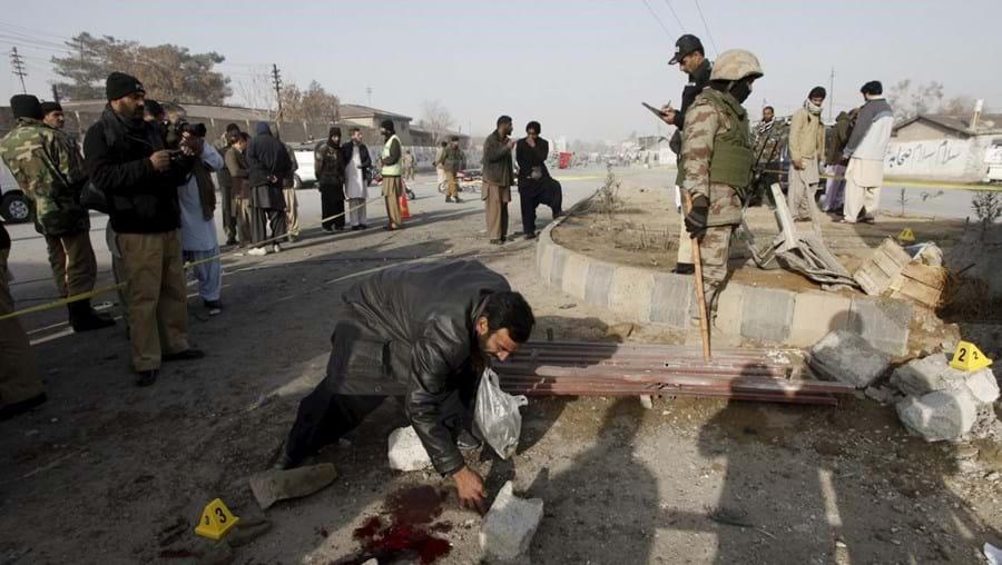 Vinte e três feridos estão em estado grave e foram transportados de helicóptero para Peshawar