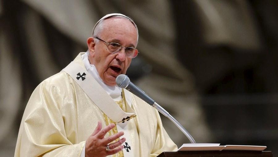 """""""Exorto a comunidade internacional na sua totalidade, a prosseguir com empenho o caminho encetado"""", disse o papa"""