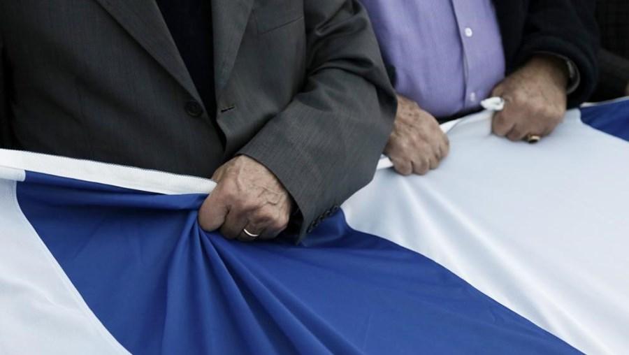 """Um 'Grexit' mantém-se como """"uma possibilidade"""" se """"compromissos não forem respeitados"""""""